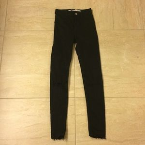 NEW Zara black high waisted jeans w/ ripped knees